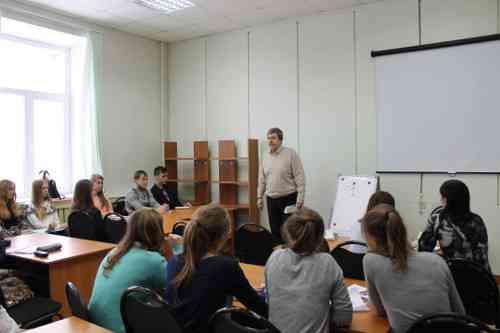 Предновогодние занятия в Областной школе журналистики