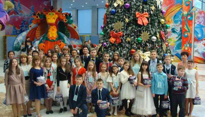 Тамбовские школьники на ёлке в Государственном Кремлёвском Дворце