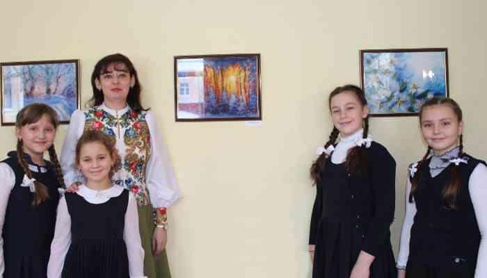 В ТОГБОУ ДО «Центр развития творчества детей и юношества» открылась выставка «Шерстяная акварель»