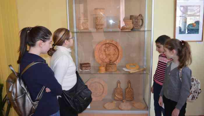 Открытие выставок творческих работ педагогов и учащихся Тамбовской области: «Художественная обработка дерева», «Разноцветная палитра»