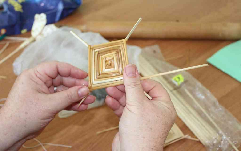 Занятие элективного курса «Плетение из соломы» для педагогов дополнительного образования Тамбовской области7
