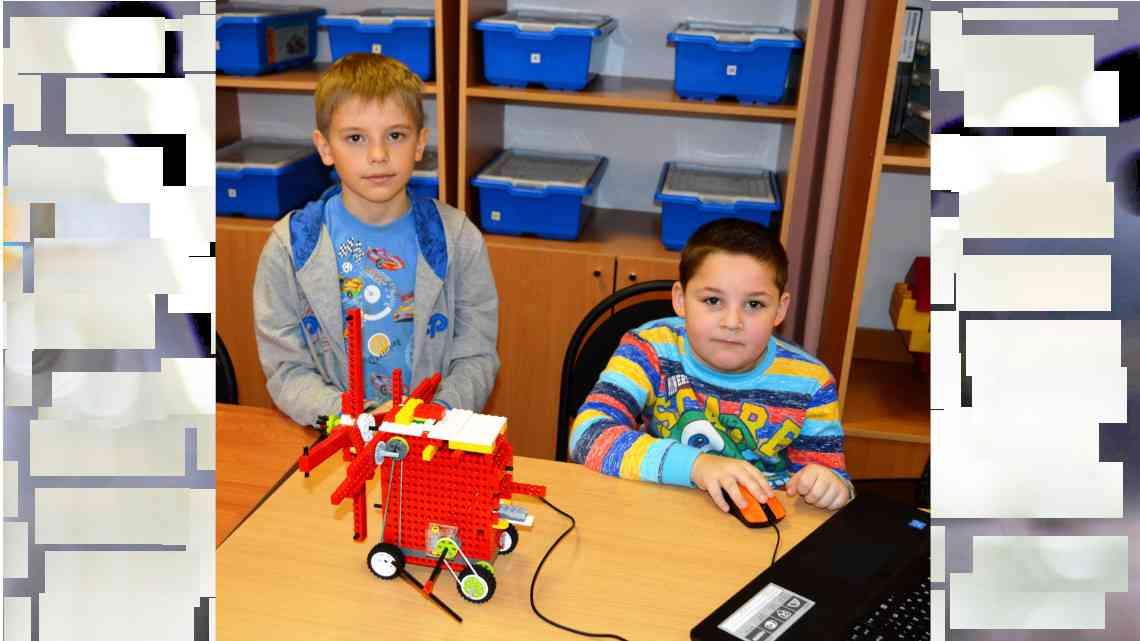 Выставка работ начального технического конструирования в Центре «УникУМ»